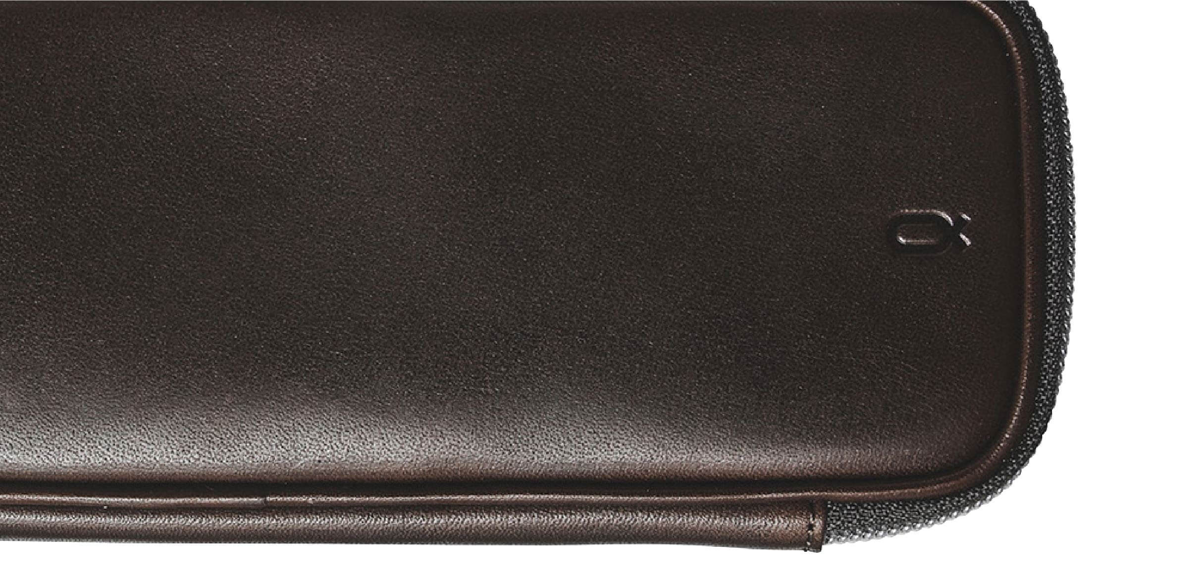 Tochigi leather portable watch case