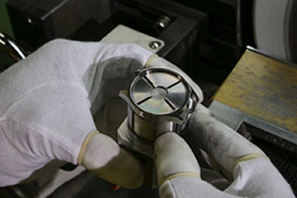 HAYASHI SEIKI Manufacturing 作業風景